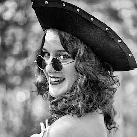 by Marco Bertamé - Black & White Portraits & People ( simling, woman, spectacles, lady, blur, smile, bokeh, sdof, sunglasses, portrait, hat,  )