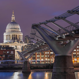 Millenium by Selaru Ovidiu - Buildings & Architecture Bridges & Suspended Structures ( london, cityscape, nightscape )