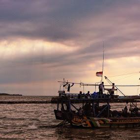 - by Riza Sandjaya - Transportation Boats