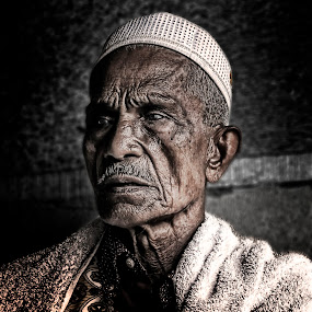 Old Man by Zulkifli Yusof - People Portraits of Men ( old man )