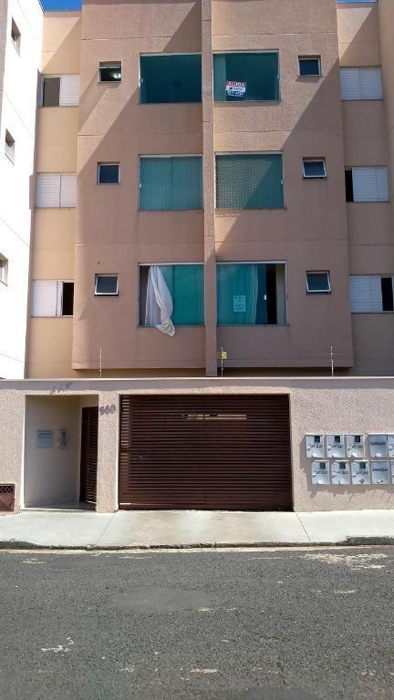 Apartamento com 2 dormitórios à venda, 52 m² por R$ 190.000,00 - Olinda - Uberaba/MG