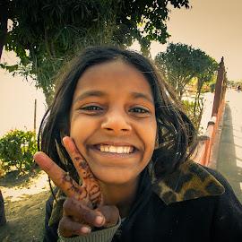 Girl in Jaipur, Rajasthan by Karin Wollina - People Street & Candids ( jaipur, girl, street, india, portrait,  )