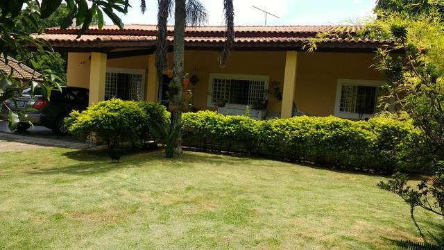 Chácara com 3 dormitórios à venda, 1000 m² por R$ 950.000 - Estância das Flores - Vinhedo/SP