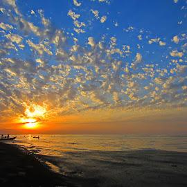 Sun never set. by Fereshteh Molavi - Landscapes Sunsets & Sunrises ( clouds, waves, sea, boat, sun )