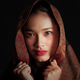 by Dhani Photomorphose - People Portraits of Women