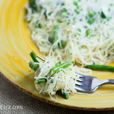 Garlic Pasta with Asparagus