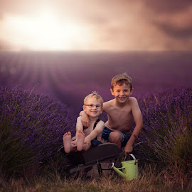 by Claire Conybeare - Chinchilla Photography - Babies & Children Child Portraits