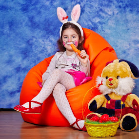 What's Up, Doc? by Nicu Buculei - Babies & Children Child Portraits ( girl, easter, bunny, children, kids, portrait,  )