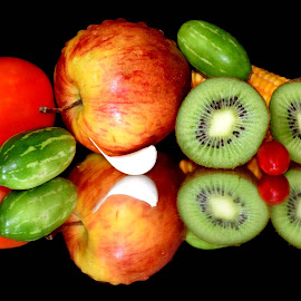 KIWIS by SANGEETA MENA  - Food & Drink Fruits & Vegetables