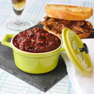 Old Fashioned Molasses and Bacon Baked Beans