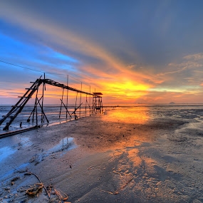 Beautiful Sunset at Jeram by Nadly Aizat Nudri - Landscapes Waterscapes ( samyang, hdri, blue hour, sunset, low tide, malaysia, nikon, jeram )