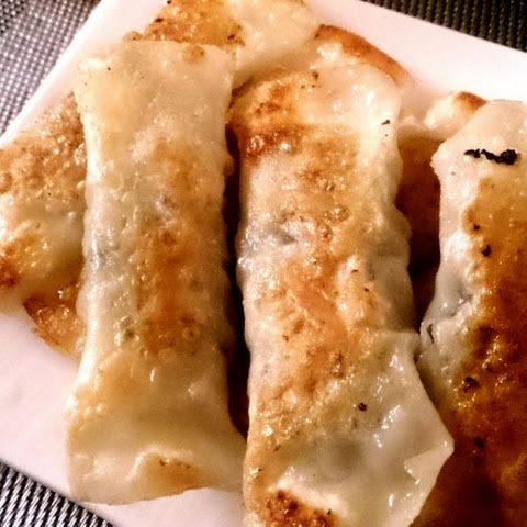Stick-shaped Fried Gyoza Dumplings with Harusame (bean-starch vermicelli) Filling