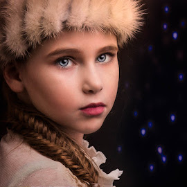 by Kelley Hurwitz Ahr - Babies & Children Child Portraits ( harry potter computer windows, studio family, june 2016,  )
