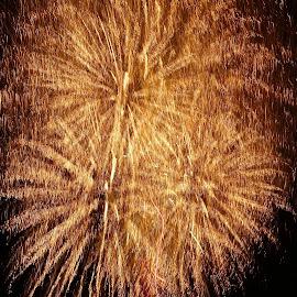 big fireworks by Patrizia Emiliani - Abstract Fire & Fireworks ( fireworks, big )