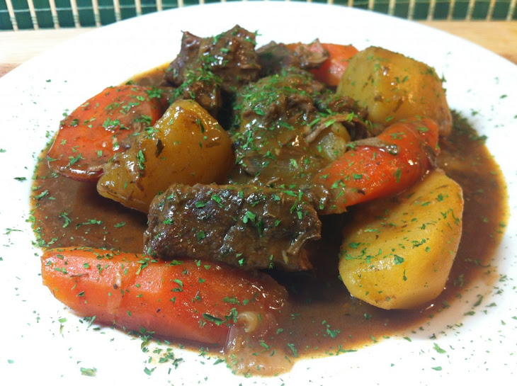 Beef Stew with Carrots and Potatoes Recipe | Yummly