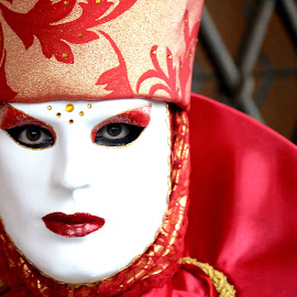 The Mask! by Bruno Brunetti - People Musicians & Entertainers ( carnival, masks, venice, people, italy )