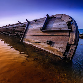 Still About Shipwreck by ArRy Fridiansyah - Transportation Boats ( water, shipwreck, landscape photography, anyer, boat, lanscapes )