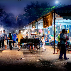 Pasar Malam  Gadong by Mohamad Sa'at Haji Mokim - City,  Street & Park  Markets & Shops ( people )