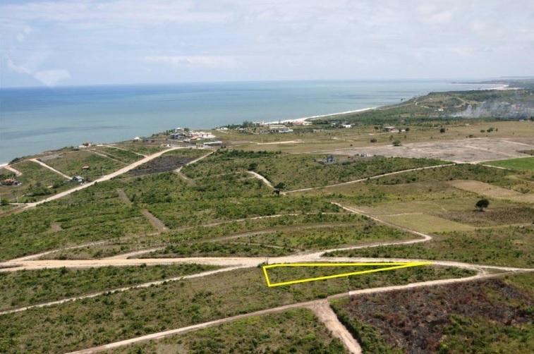 Terreno apenas 500 metros da Praia Bela, Pitimbú.