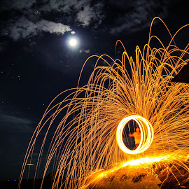 steel wool in action  by Xiaoyu Cheoh - Abstract Light Painting ( light painting, steel wool, night, photography )