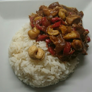 Slow Cooked Chicken With Cashew Nuts