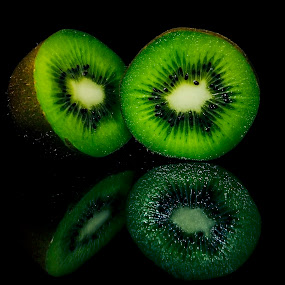 Fresh & Juicy Kiwi by Kamlesh Kumar - Food & Drink Fruits & Vegetables ( fruit, fresh, kiwi, food, green, healthy )