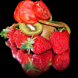 strawberry with kiwi by LADOCKi Elvira - Food & Drink Fruits & Vegetables ( fruits )