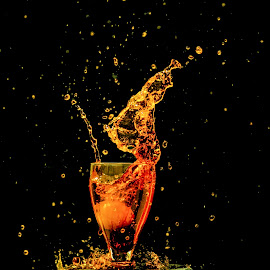 splash by Rishi Fx Artist - Food & Drink Alcohol & Drinks ( wine, splashing, splash, photo, photography, lemon )
