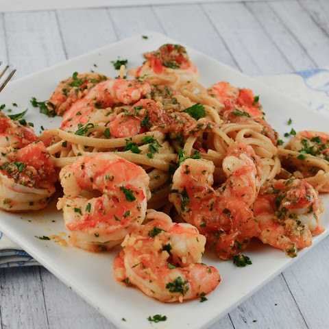 Shrimp Linguine in White Wine Sauce