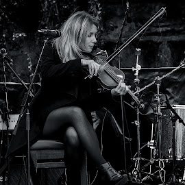 Aoife Kelly by Kevin Ward - People Musicians & Entertainers