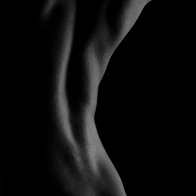 by Melissa Rolston - Nudes & Boudoir Artistic Nude ( #curve, #b&w, #male, #muscles, #compestition, #back, #figurestudy )