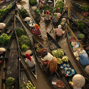 pasar terapung (floating market) by Muhammad Fakhriannur - News & Events World Events