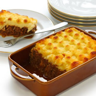 Meatloaf Casserole with Cheesy Mashed Potato Topping