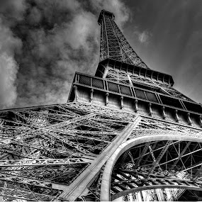 Human dream by John O'Groats - Buildings & Architecture Architectural Detail ( paris, tower, ville, eiffel, france, lumiere )