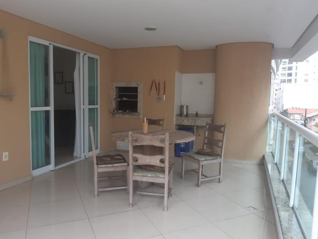APTO com 3 dormitórios MOBILIADO para alugar,  por R$ 3.300/mês - Meia praia  - Itapema/SC