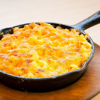CAST-IRON SKILLET MAC & CHEESE