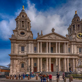 St Paul's Cathedral by Pravine Chester - Buildings & Architecture Public & Historical ( london, church, st pauls cathedral, building, cathedral, architecture )