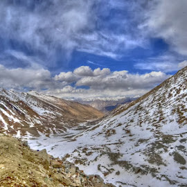 Changla Pass by Rakesh Das - Landscapes Mountains & Hills