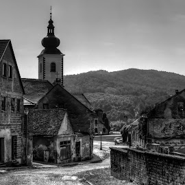 by Tomislav Gažić - Black & White Buildings & Architecture
