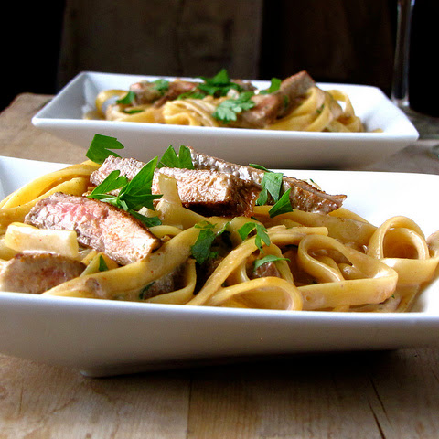 Steak Fettuccine with Spicy Cream Sauce