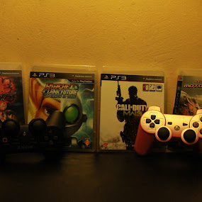 Things to play  by Rex Myrul - Public Holidays Other ( sony, cod, motorstorm, ps3, pinkcontroller, ratchet, takken6 )