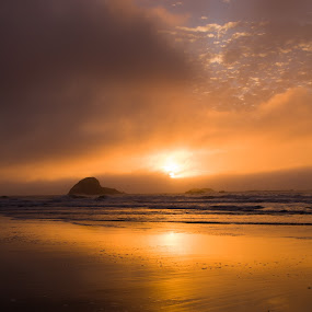 by Matthew Lindsey - Landscapes Sunsets & Sunrises ( waterscape, sunset beach, sunset, ocean )