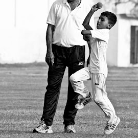 b/w bowler by Venkat Krish - Sports & Fitness Cricket ( #chennai, #sports, #cricket, #ball, #boy )