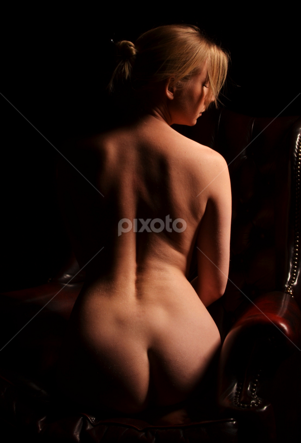 Sam by Jean-marc Nehmé - Nudes & Boudoir Artistic Nude ( chair, shadow, back, seating, lines, curves )