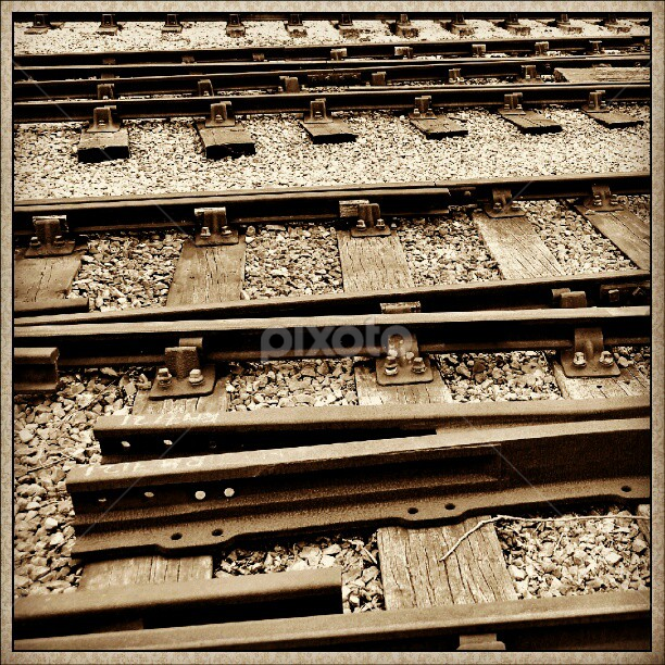 Rails set of 4 #UK #Instacanvas #track #sarahlaurel #railway #Haworth #metal #tagstagram #rails by Sarah Laurel - Instagram & Mobile Instagram