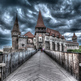 Corvin's castle by Gabriel Konde - Buildings & Architecture Public & Historical