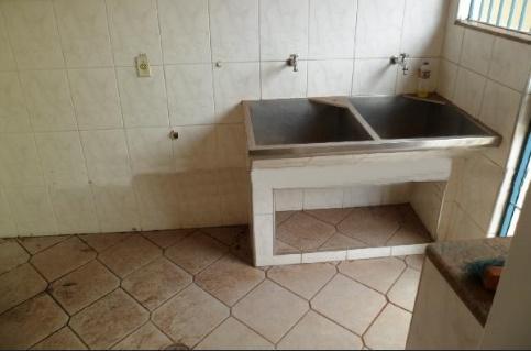 Casa para Aluguel 220 m²  com 4 quartos