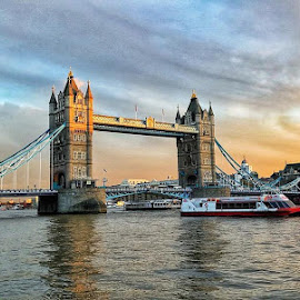 London's tower bridge by Danny Hoang - Buildings & Architecture Bridges & Suspended Structures