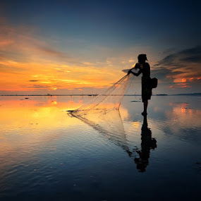 by Hendri Suhandi - People Portraits of Men ( street, candid, fisherman, people, portrait )