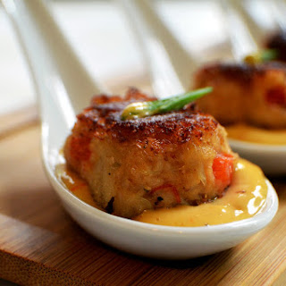 One Bite Foods - Mini Crab Cakes in Mango Habanero Aïoli